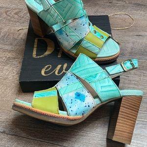 NWOT Spring Step  Sandals size 37